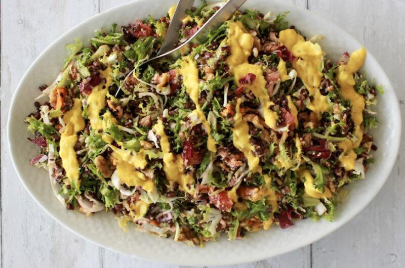 Lakssalat med mangodressing